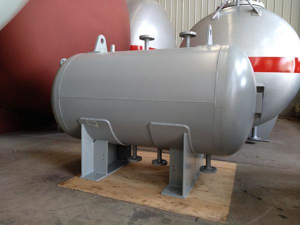 0.6立方煤油储罐图片