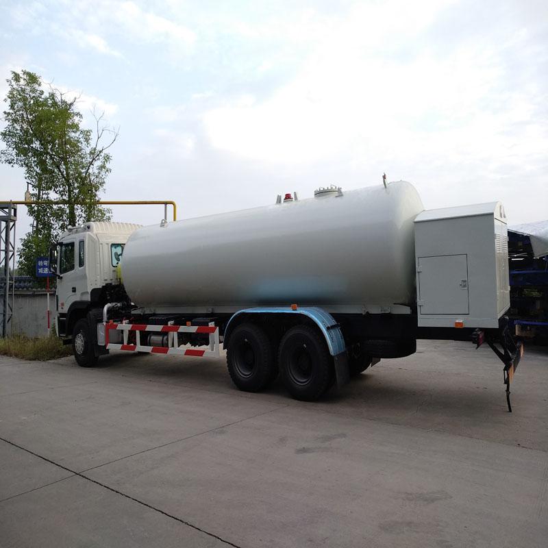 20立方液化气加气车槽罐车图片