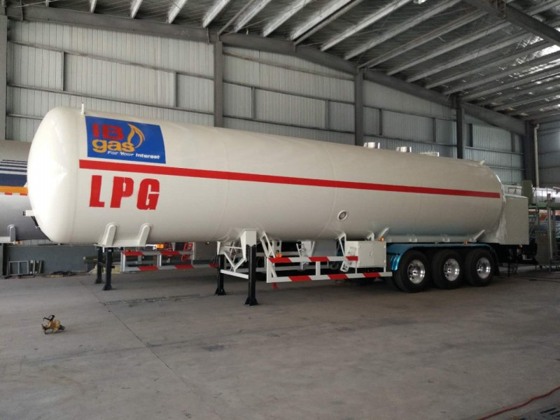 液化气加气车半挂带泵电机液化气槽罐车